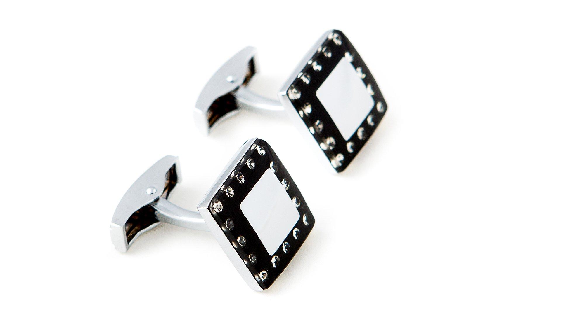 Butoni negru cu argintiu si pietre de Cehia marca Grazie Filipeti