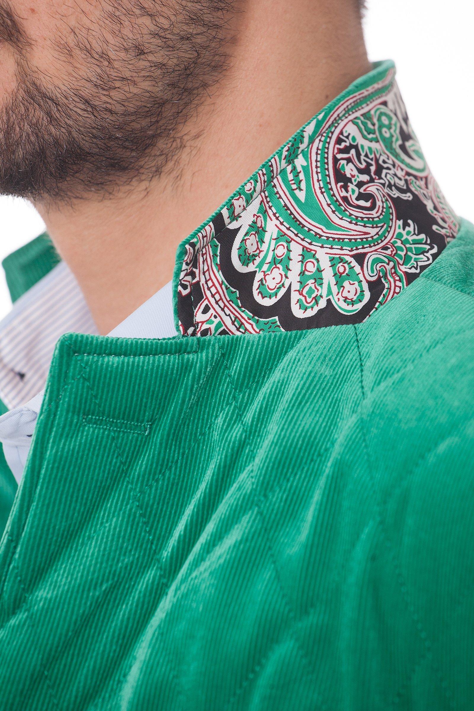 Geaca matlasata verde din catifea raiatata