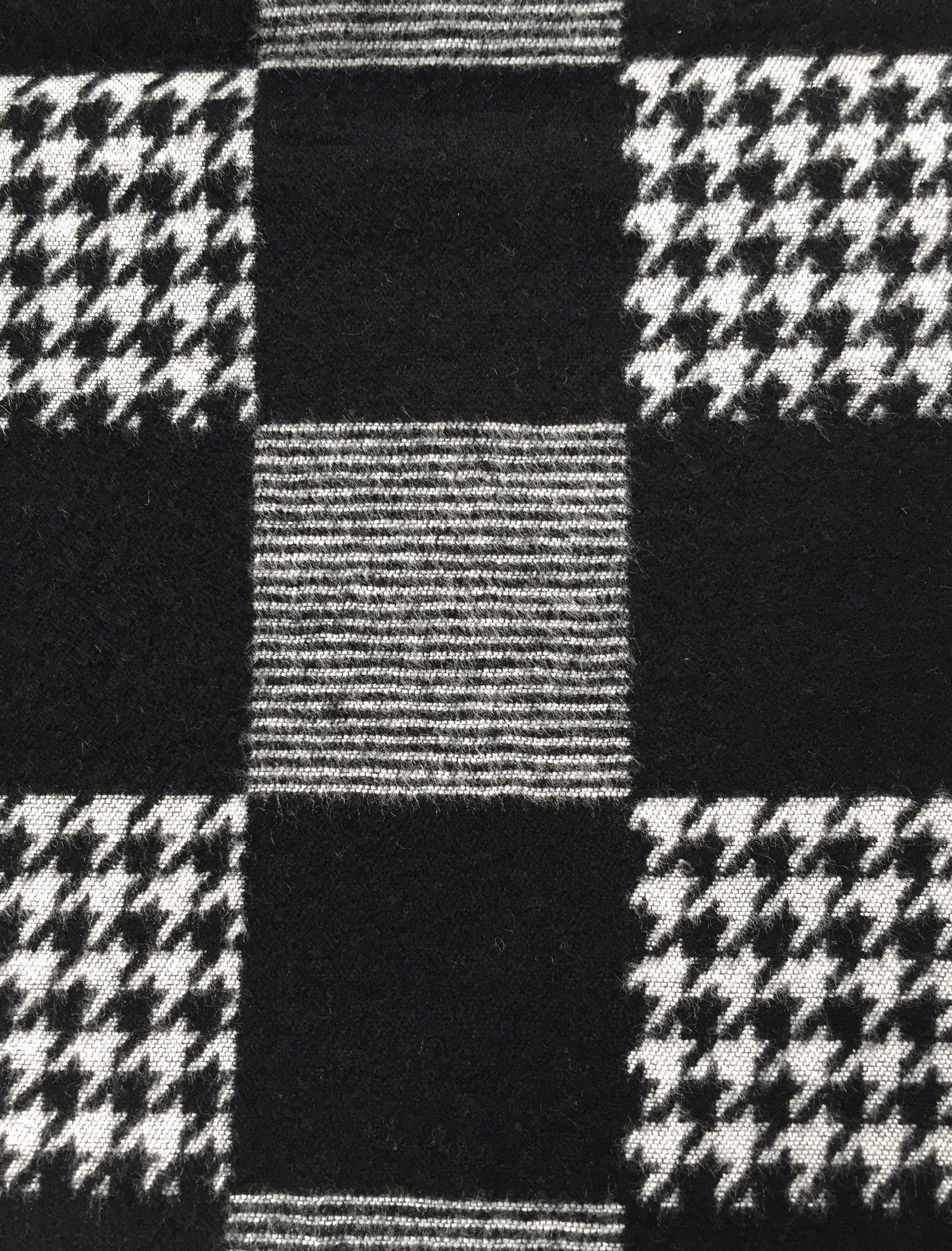 Fular casmir negru cu patrate gri